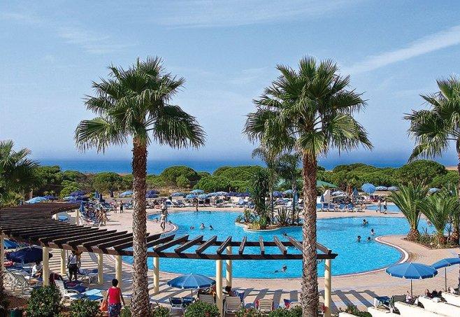 Hotel Adriana Club Beach Resort In Olhos De Agua Algarve