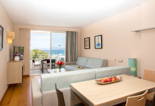 Aparthotel ivory playa in alcudia mallorca familienhotel for Appart hotel ivry
