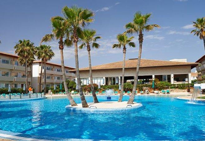 Hotel family life mallorca mar cala bona kinderhotel for Designhotel mallorca strand
