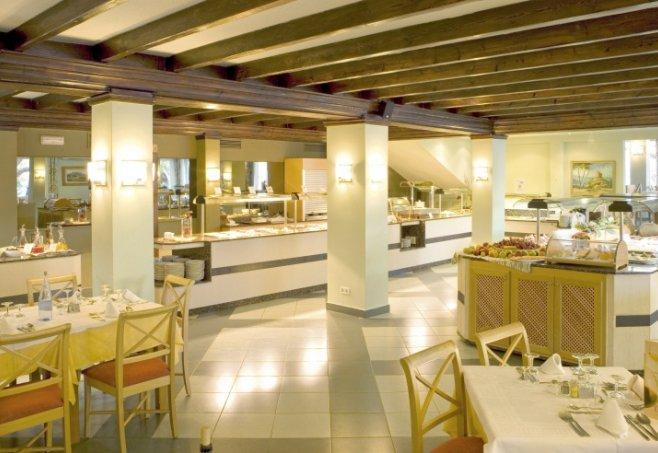 Universal Hotel Laguna Bewertung