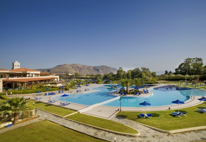 Pilot Beach Resort In Georgioupolis  Kreta
