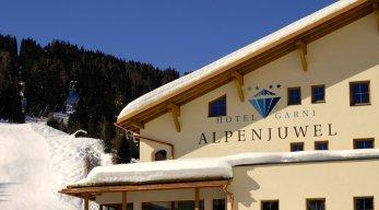 Hotel Garni Alpenjuwel Winteransicht