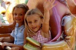 Familien Kurzurlaub Im Freizeitpark übernachtung Im Erlebnishotel