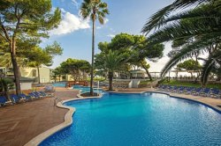Iberostar_Playa_de_Muro_Village_Pool_2