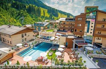 Alpinresort_und_Spa_Aussenansicht_Sommer