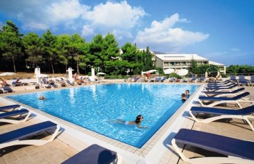 Bretanide Sport & Wellness Resort Pool
