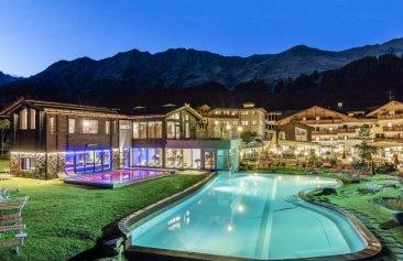 Hotel Schneeberg – Family Resort & Spa Außenansicht