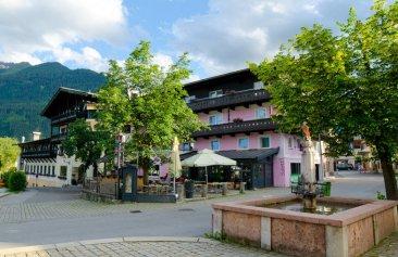 Hotel_Unterbrunn_Aussenansicht_Sommer