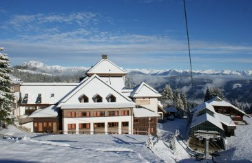 hotels an der piste familienhotels skiurlaub f r familien. Black Bedroom Furniture Sets. Home Design Ideas